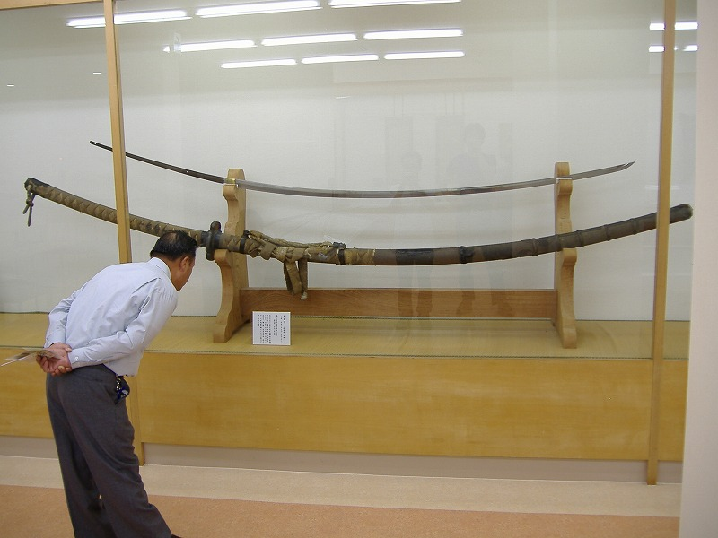 Have You Seen This Ancient Giant Sword… At Nearly 13 Feet And Nearly 32 lbs